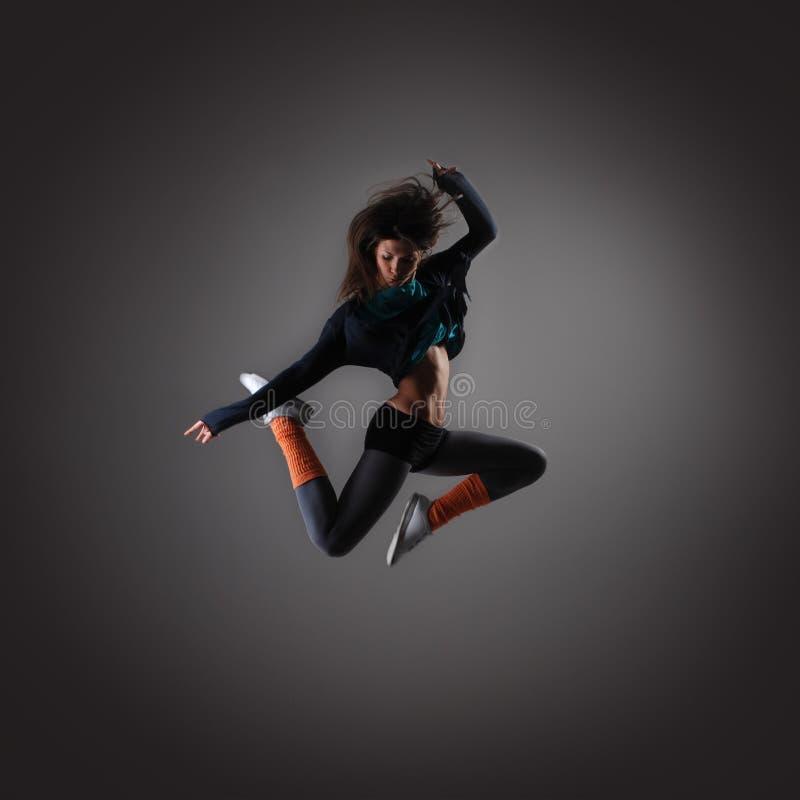 新和性感的现代舞蹈演员 免版税库存照片
