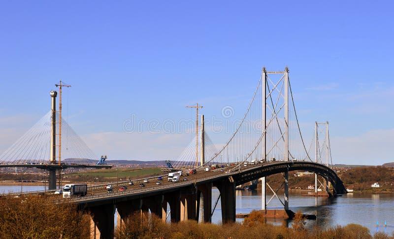 新和老跨接:Queensferry,爱丁堡,苏格兰 免版税库存照片