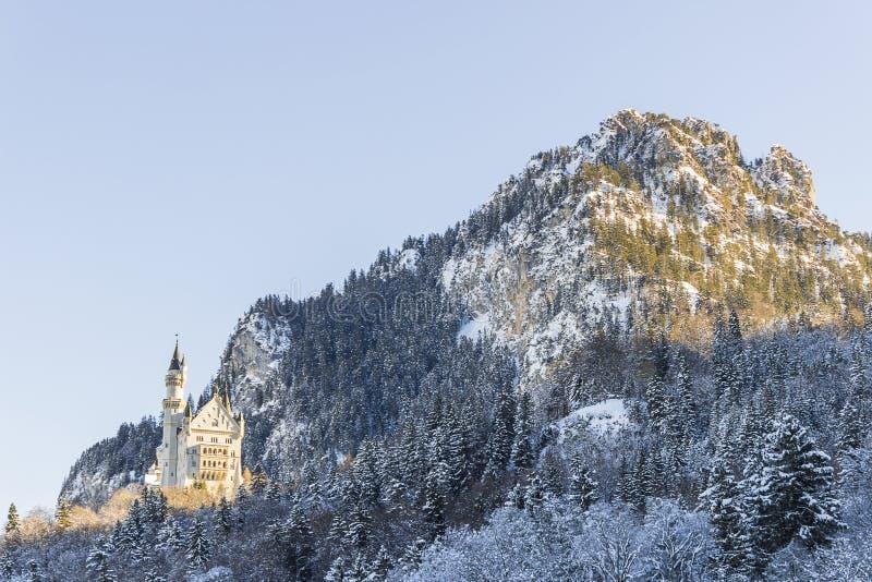 新天鹅堡城堡及早在菲森 免版税库存图片
