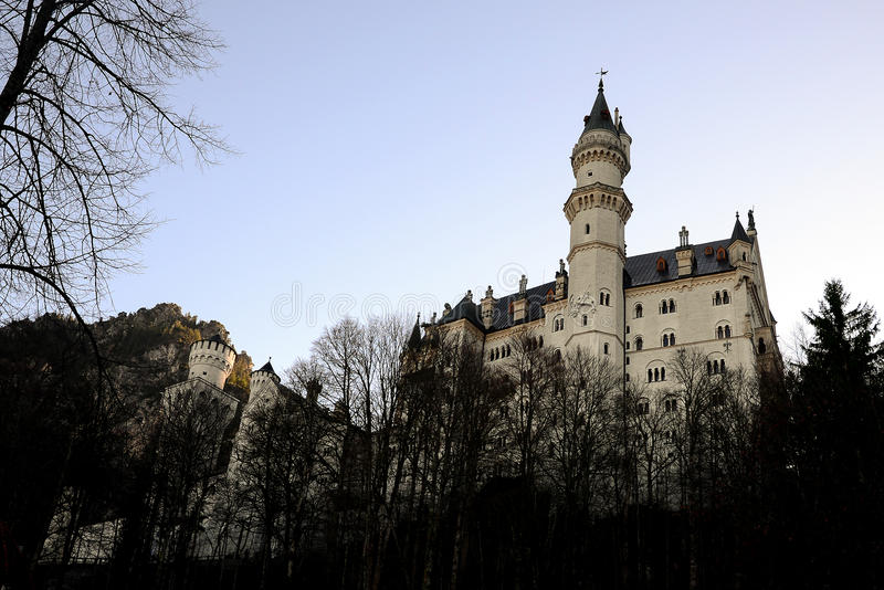 新天鹅堡城堡在早期的冬天,著名宫殿在菲森 免版税库存照片