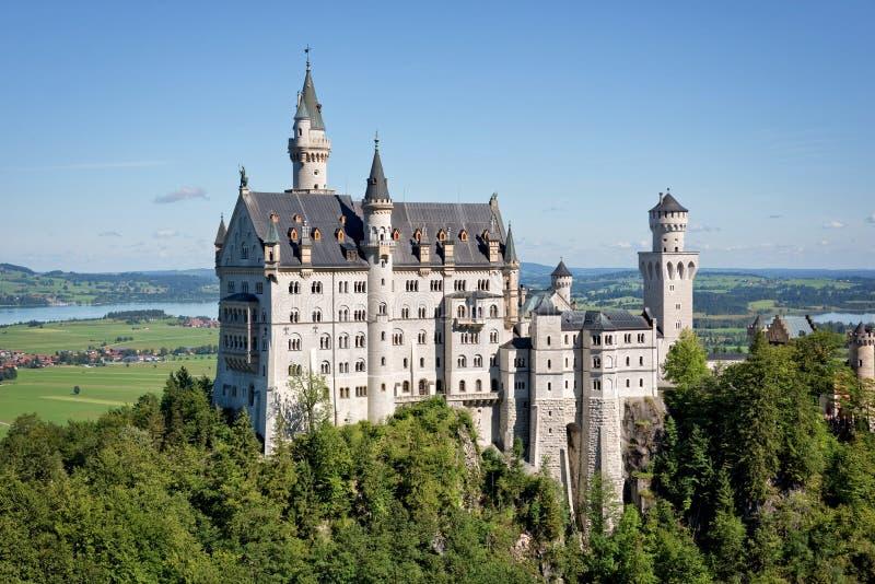 新天鹅堡城堡,巴伐利亚鸟瞰图  免版税库存照片