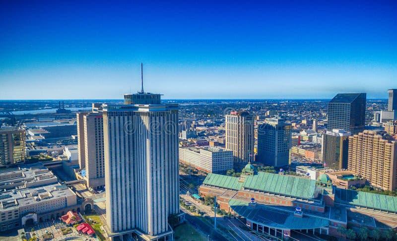 新奥尔良地平线在一个晴朗的冬日, Louisi鸟瞰图  库存图片