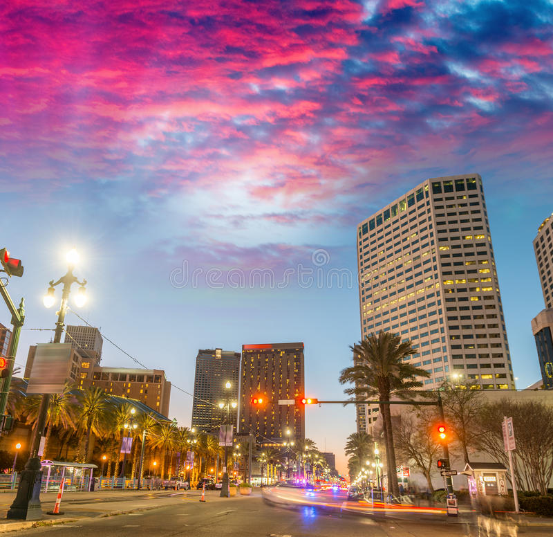 新奥尔良大厦日落的,路易斯安那-美国 免版税库存照片