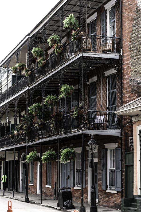 新奥尔良法国区和它的偶象阳台 免版税库存照片