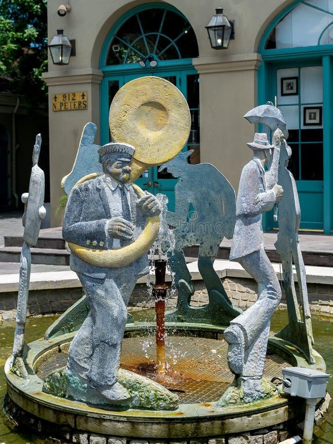 新奥尔良法国街区爵士乐队伍喷泉 库存照片
