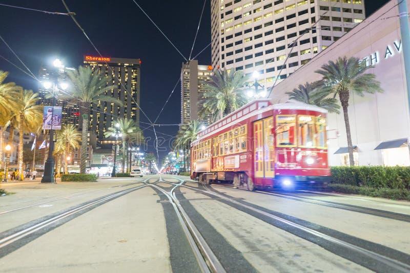 新奥尔良, LA - 2016年1月:新奥尔良路面电车在晚上 库存图片