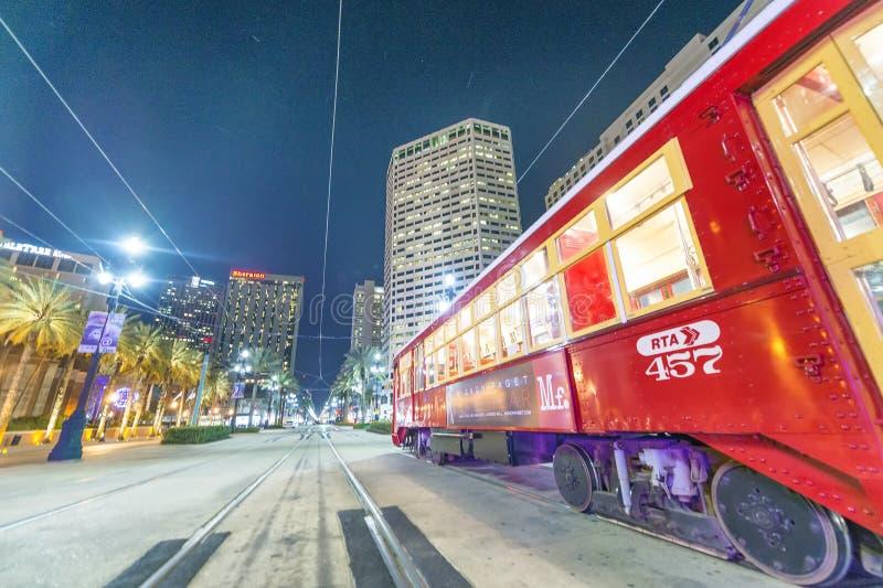 新奥尔良, LA - 2016年1月:新奥尔良路面电车在晚上 库存照片