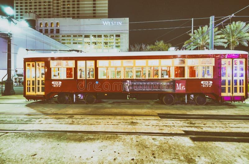 新奥尔良, LA - 2016年1月:新奥尔良路面电车在晚上 免版税库存照片