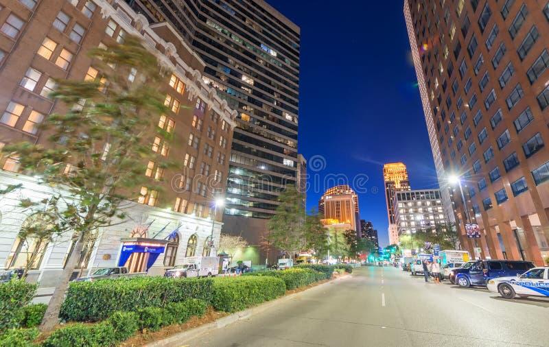新奥尔良- 2016年1月27日:城市街道在晚上 新的Orlea 免版税库存图片