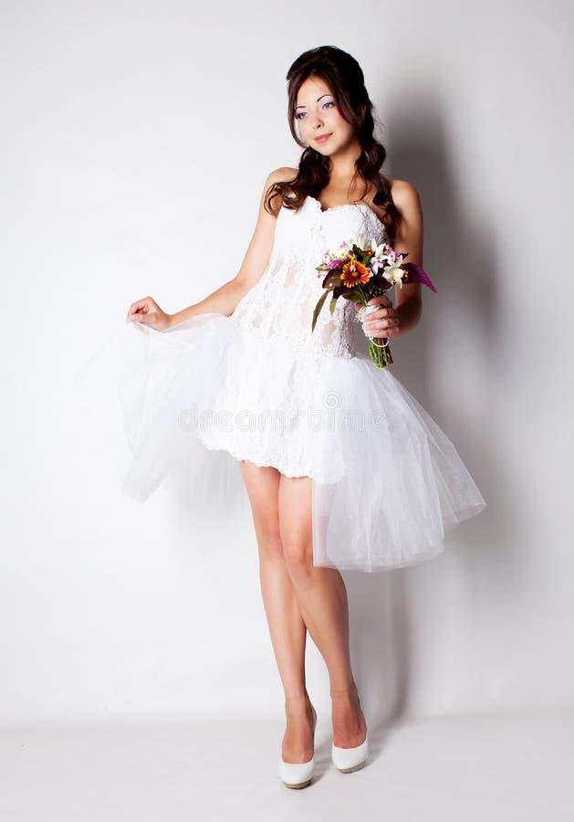 Download 新娘在工作室 库存图片. 图片 包括有 人力, 女性, 设计, 装饰, 礼服, beauvoir, 系列 - 62530743