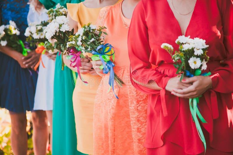 新娘婚礼花和新娘花束 免版税库存照片