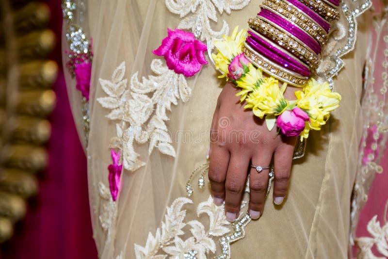 新娘手 库存图片