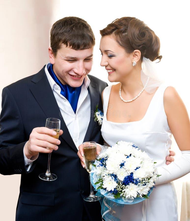 新娘新郎香槟 库存图片