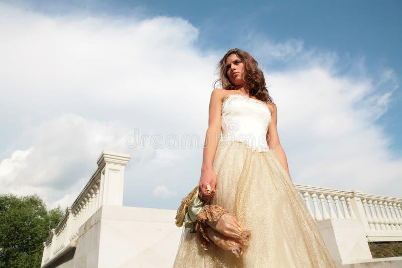新娘水平的纵向 免版税库存图片