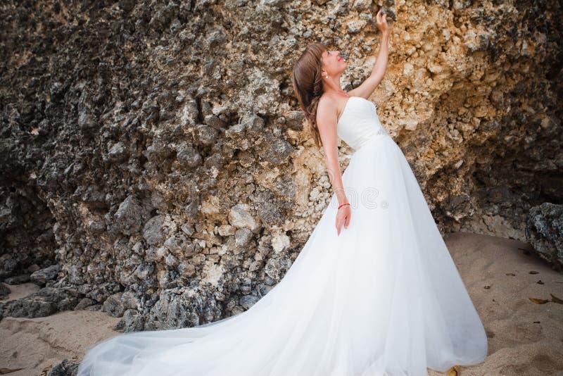 新娘礼服佩带的婚礼 图库摄影