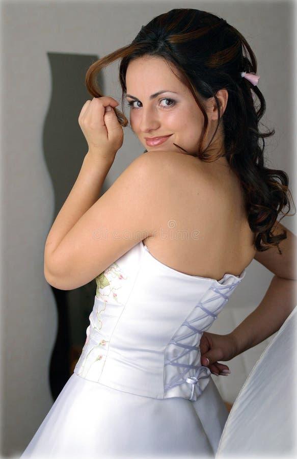 新娘礼服微笑的婚礼白色 图库摄影