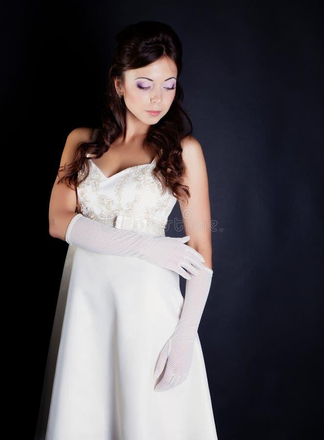 Download 新娘纵向在工作室 库存图片. 图片 包括有 头发, 对象, beauvoir, 投反对票, 生活方式, 表面 - 62530663