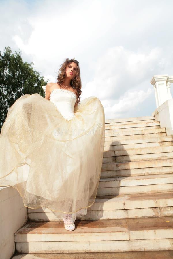新娘纵向垂直 免版税库存图片