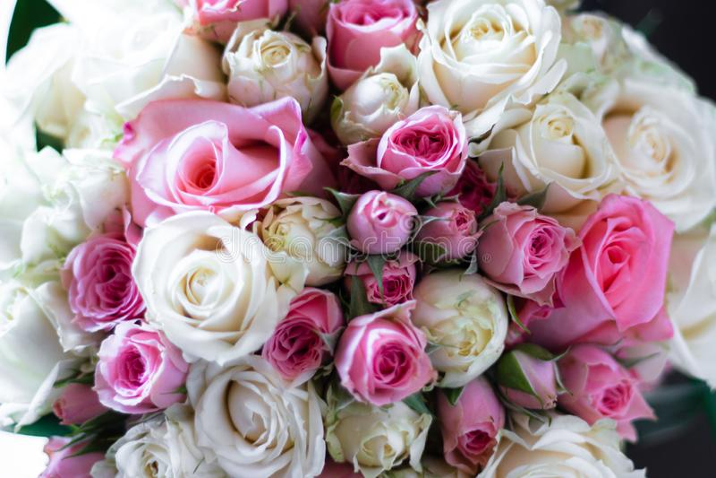 新娘花束白色和桃红色 免版税图库摄影