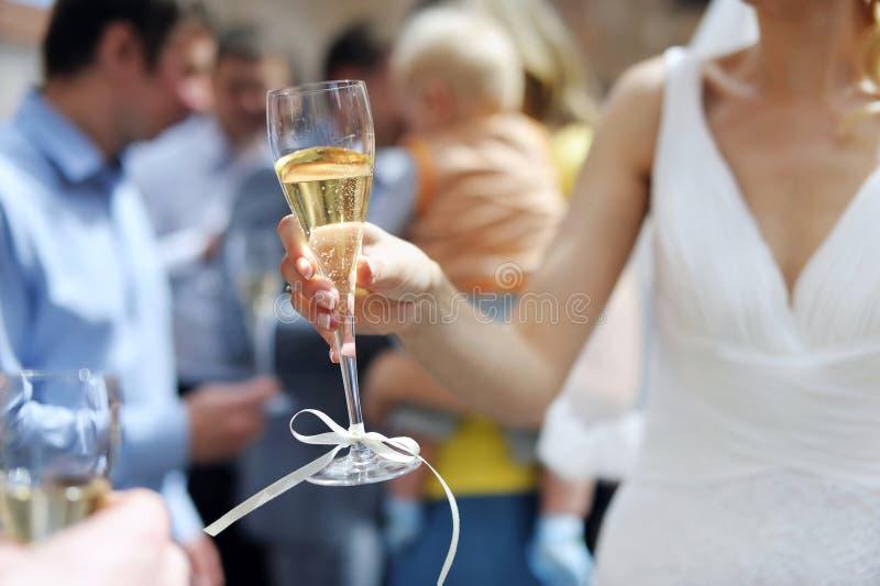 新娘香槟玻璃藏品 免版税库存照片
