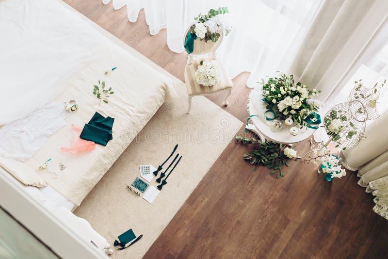 新娘` s晨间起居室,仪式的准备 免版税图库摄影