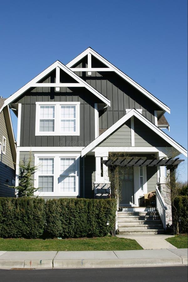 新家庭的房子 免版税库存图片