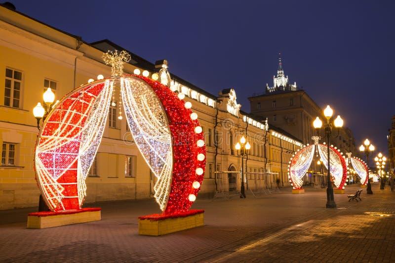 新年在莫斯科,圣诞节装饰, Arbat街道在清早 免版税图库摄影