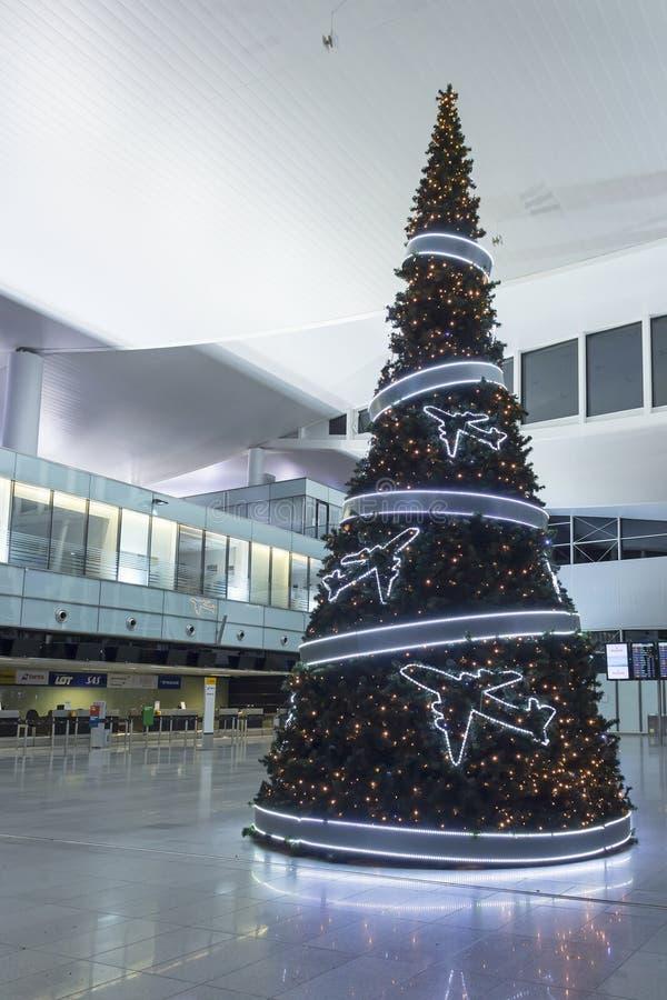 新年树在弗罗茨瓦夫机场  免版税库存照片