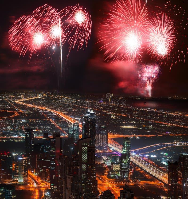 新年烟花显示在迪拜,阿拉伯联合酋长国 免版税库存照片