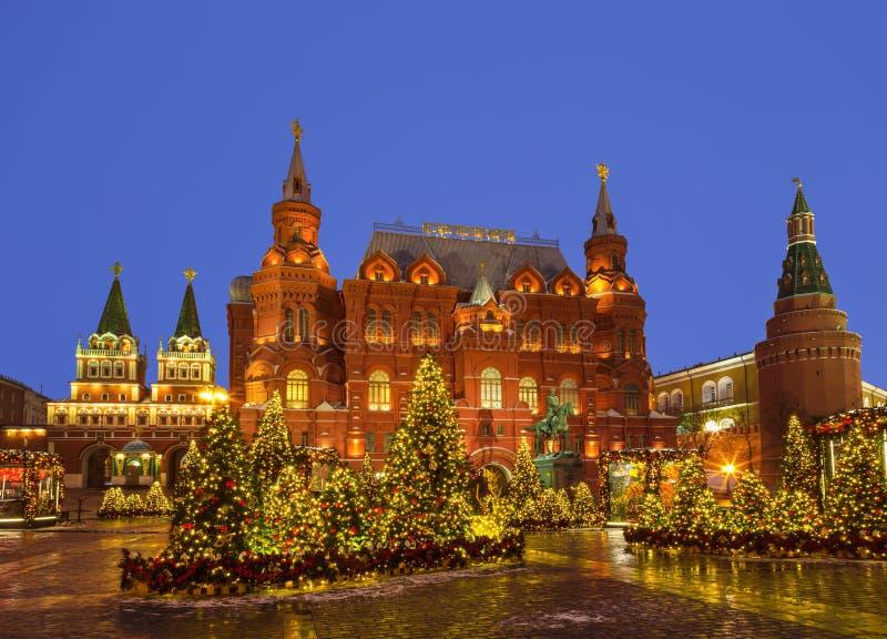新年莫斯科,到圣诞节`的节日`旅途 Manezhnaya广场 免版税图库摄影