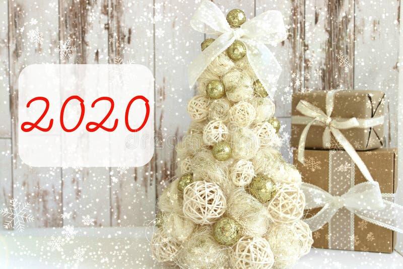 2020? 新年,圣诞卡片 新年,圣诞节背景,土气样式 库存照片