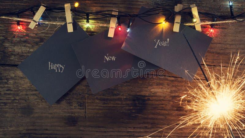 新年` s,与圣诞节闪烁发光物的圣诞节背景和圣诞节树玩具 复制空间 2007个看板卡招呼的新年好 免版税图库摄影
