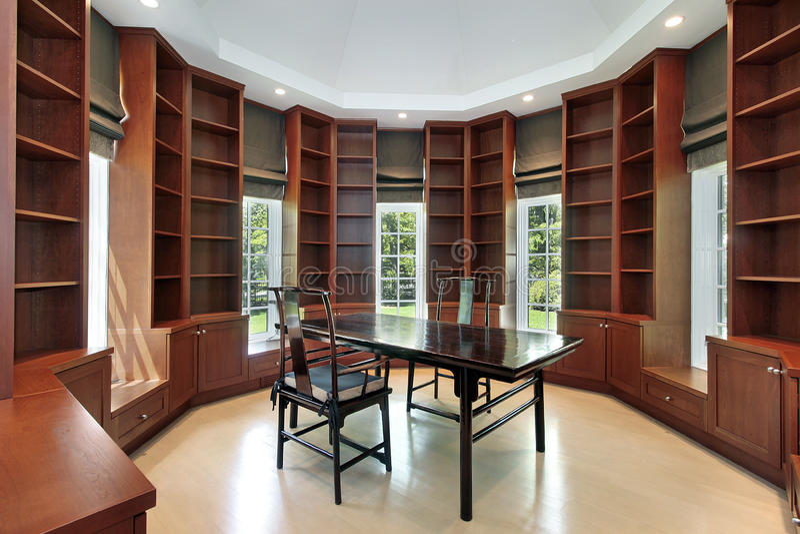 新建筑的家庭书库 免版税库存图片