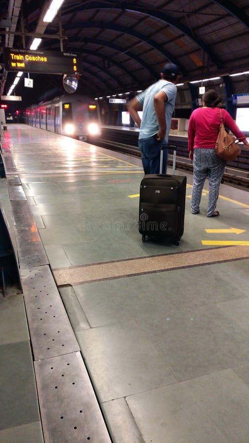 新德里地铁路轨地铁运输系统 库存照片