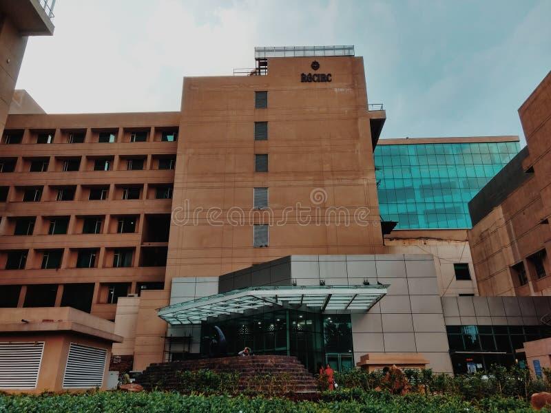 新德里,印度- 3月14,2019:正面图拉吉夫・甘地巨蟹星座学院&研究中心 医院 库存照片