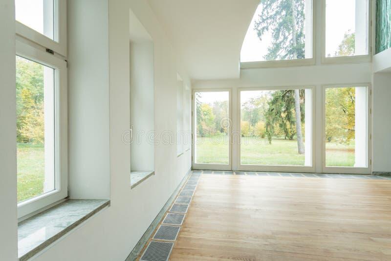 新房的空的内部 免版税库存图片