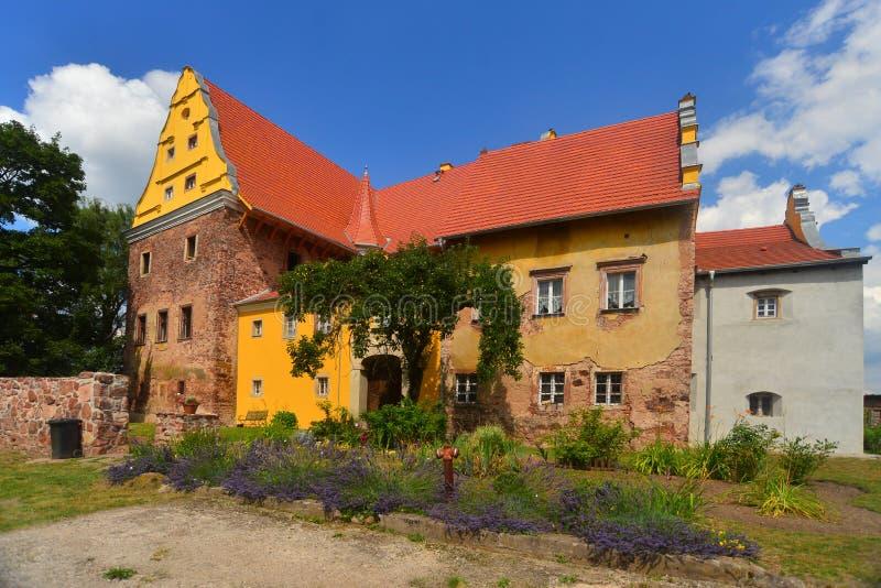 新生城堡在Kapitanowo 免版税库存图片