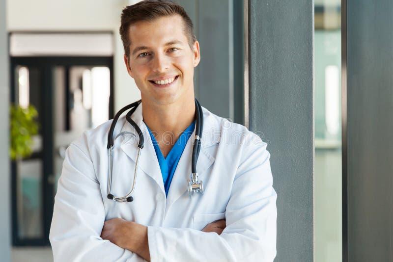 新男性医生 库存照片