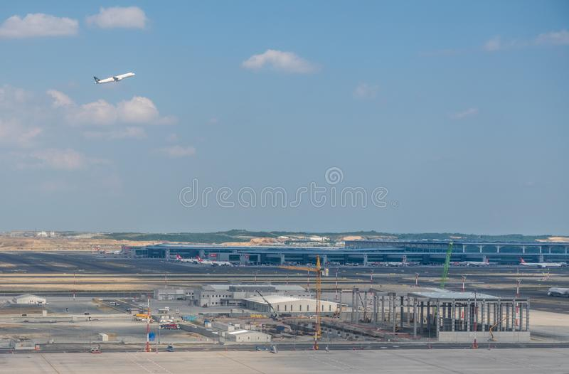 新的伊斯坦布尔机场鸟瞰图在土耳其 免版税库存照片