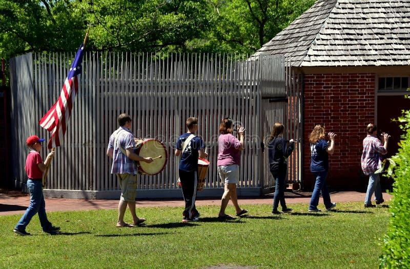 新的伯尔尼, NC :在Tryon宫殿的鼓笛&鼓乐队 库存图片