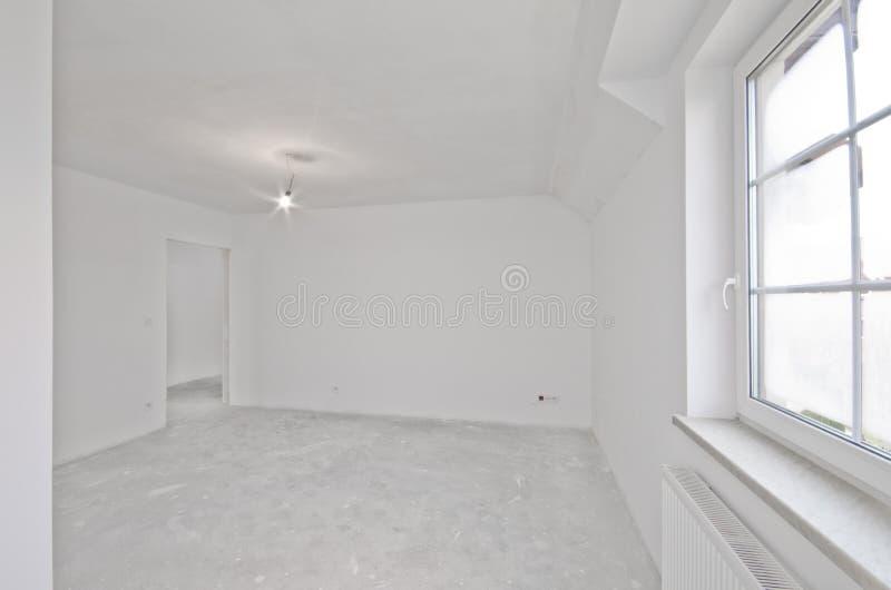 新的公寓,开发商阶段内部  库存照片