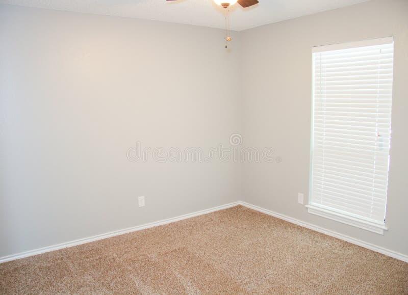 新的地毯设施 免版税库存照片