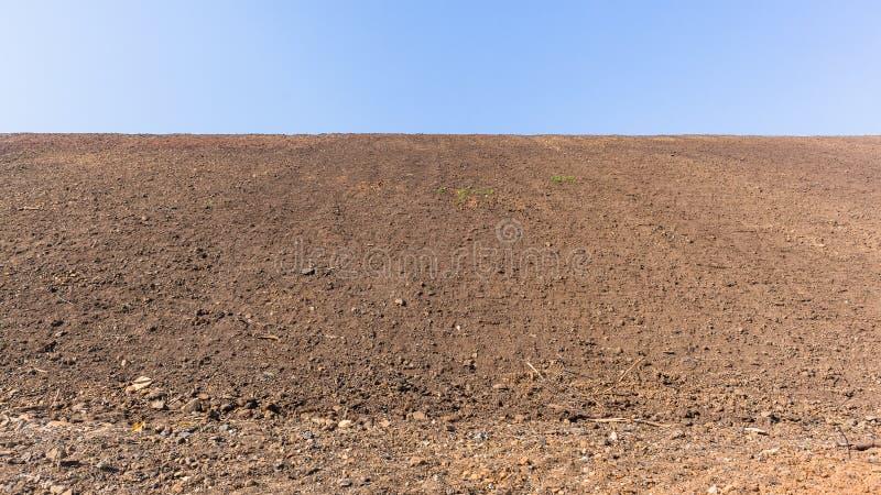 新的堤防沙子银行平台天空蔚蓝风景 免版税库存图片