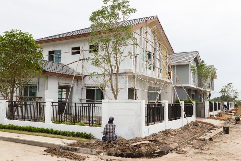 新的家大厦和建造场所  图库摄影