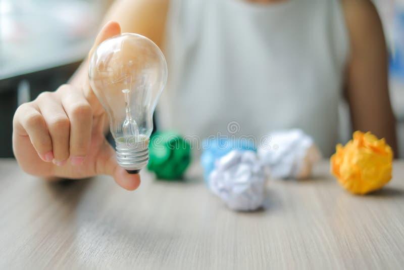 新的想法,创造性,天才和创新概念 免版税库存图片