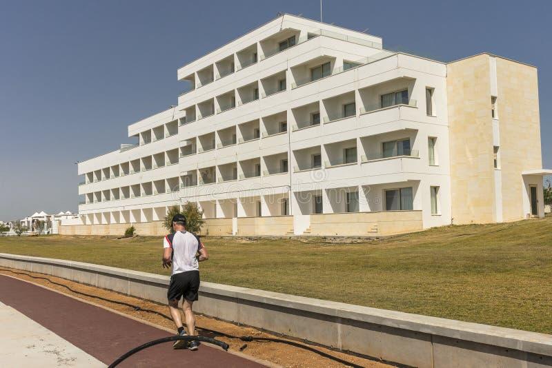 新的旅馆在Ayia Napa 免版税图库摄影