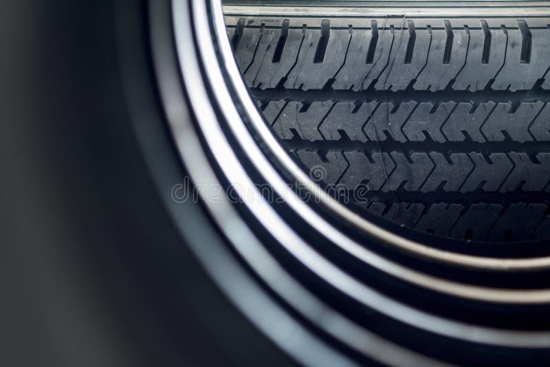 Download 新的栈轮胎 库存照片. 图片 包括有 运输, 纹理, 商业, 橡胶, 投反对票, 模式, 轮胎, 制造 - 59109160