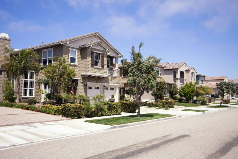 新的现代家庭公共在南加利福尼亚 免版税库存照片