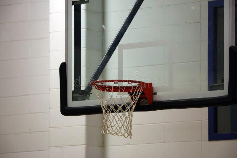 新的篮球篮在孩子体育中心 图库摄影