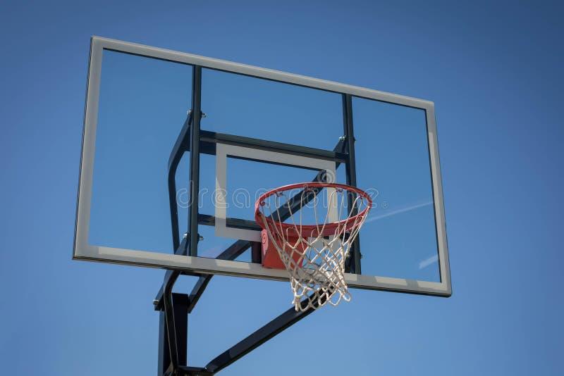 新的篮球篮 免版税库存图片